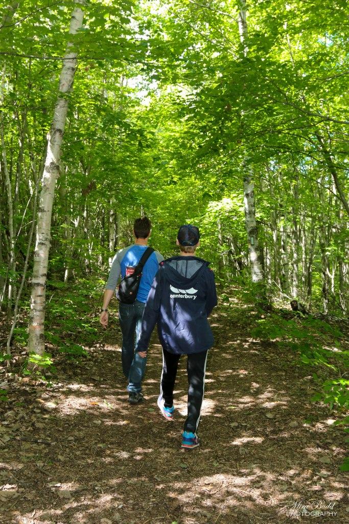 Mono Cliffs Provincial Park, Hiking Trails Ontario, Bruce trail, Ontario Hiking Trails, Beautiful hiking Trails in Ontario, Mono Cliffs Lookout Point,