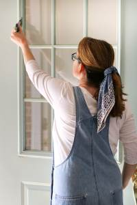 How to paint a front door without removing it the easy way.