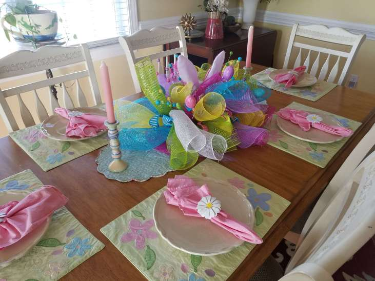 Cute Easter Table with Tutorial for Centerpiece