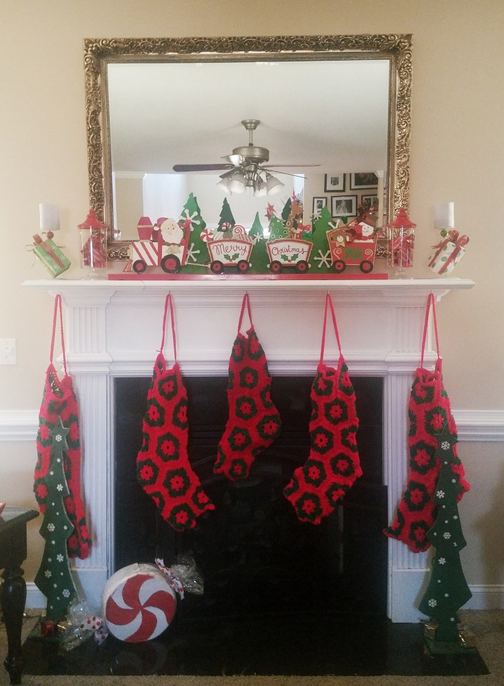I love to decorate my mantel for Christmas!