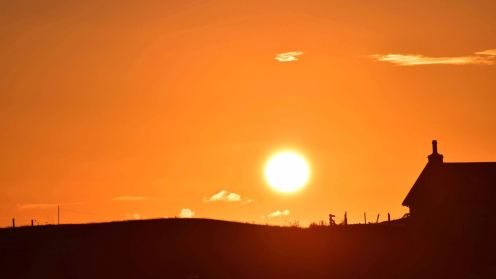 A fiery ball lights up the sk above Scarinish
