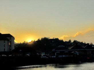 As the sun sets the wind begins to rise in Oban