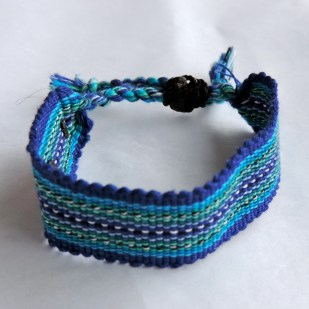 Life Out of the Box bracelet Global available on lootb.com