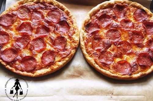 Table-5-pizzas-how-to-cook-easy