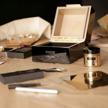 ABSOLUE L'EXTRAIT LIMITED EDITIONS - EXCLUSIVE BEHIND-THE-SCENE PR VISUALS - LW164773