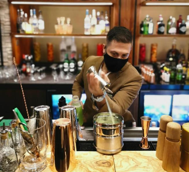 The List Bar Al Jaddaf Rotana__2