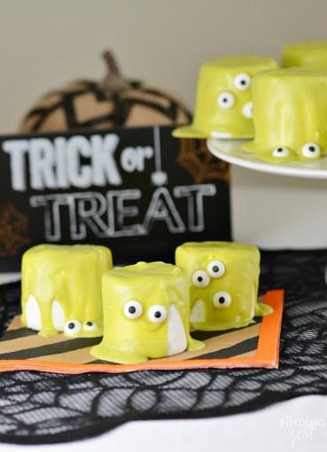easy-halloween-monster-marshamallows