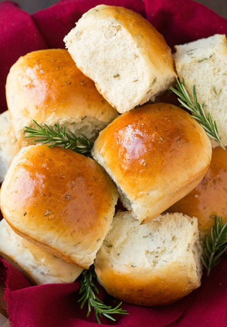 rosemary-dinner-rolls2-srgb