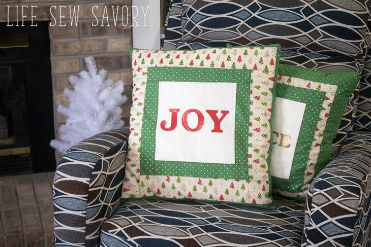 Christmas throw pillows sewing tutorial