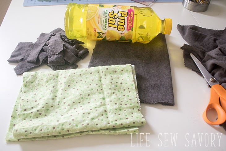 Make your own cleaning mitt