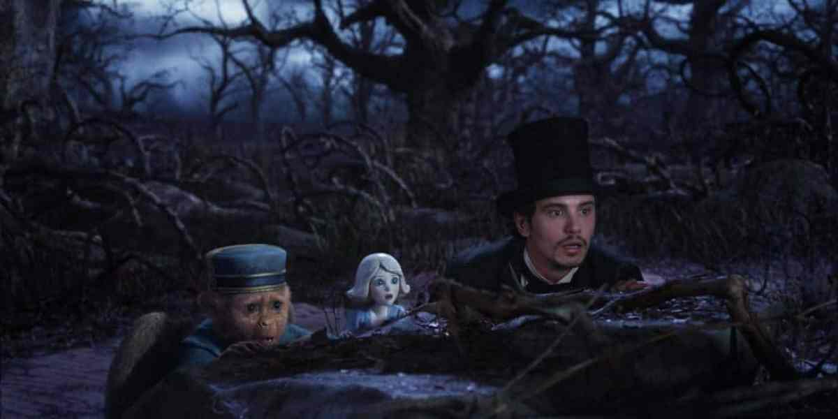 still-of-zach-braff-and-james-franco-in-oz-the-great-and-powerful-(2013)-large-picture