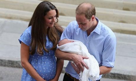 Royal-baby-leaves-hospita-0091