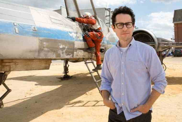 jj-abrams-shows-off-first-footage-of-x-wing-in-star-wars-episode-vii