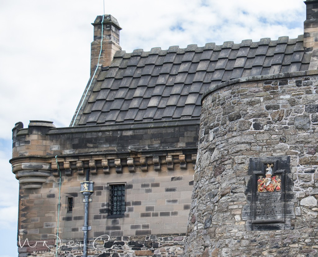 Top things to do at Edinburgh Castle Explore Edinburgh Castle. Discover things to do in medieval Edinburgh. Explore Old Town and New Town along with the many museums, monument, memorials and galleries of this historic city. Photo Credit: Wendy Nordvik-Carr