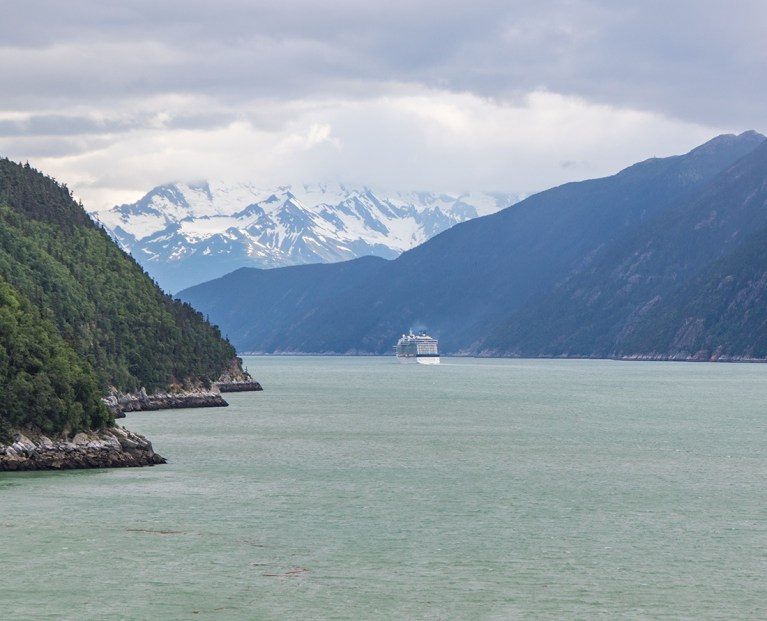 Ports of Call Alaska - Discover the breathtaking scenery of Alaska wilderness. Explore top things to do while in port. Photo Credit: Wendy Nordvik-Carr