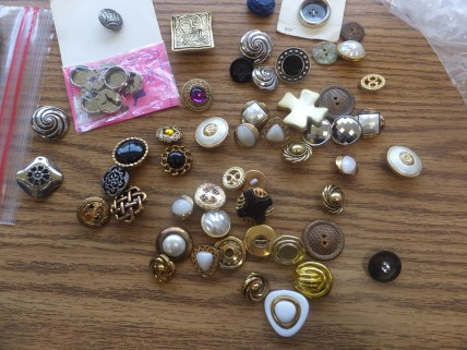 Button choices for purses