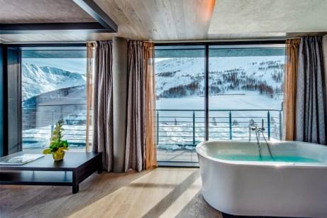 executive suite jacuzzi 2piano_re delle alpi_lathuile4