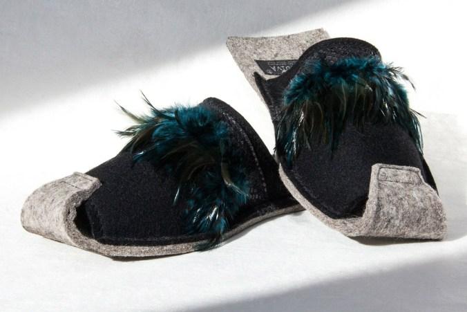 pantoffeln pantoleten hausschuhe federn