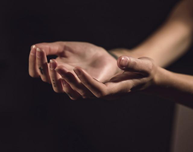 爪が痛い原因に隠された怖い病気の兆候と対処法7つ