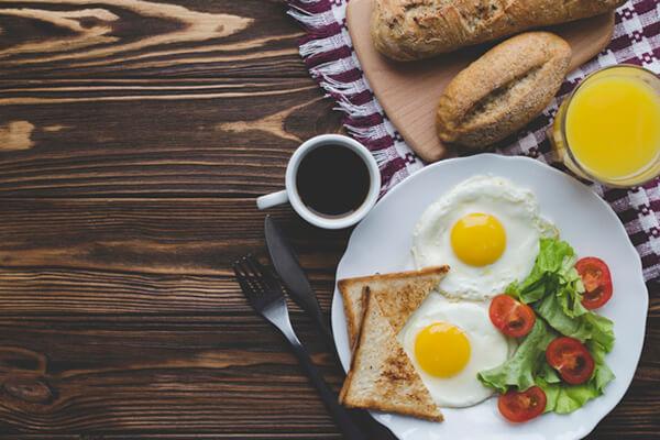 早上起床吃什麼最好?這 5 種早餐好吃又營養!   Heho生活