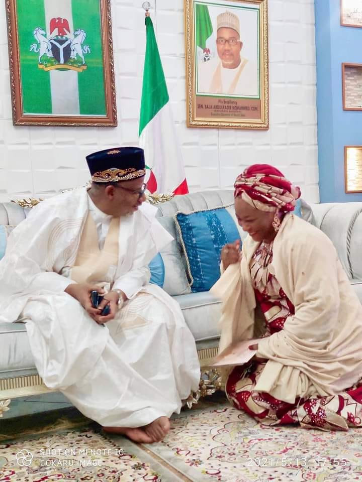 Sacked Bauchi Commissioner shares photo of herself kneeling before Governor Bala Mohammed, says she will never stop supporting him