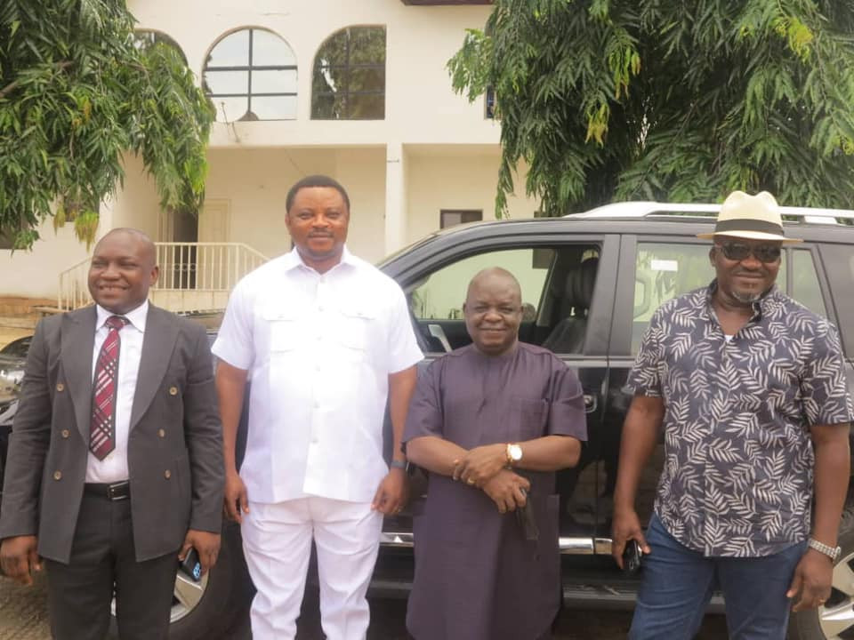 Governor Ayade gifts Toyota Land Cruiser SUVs to Cross River Reps members who defected to APC