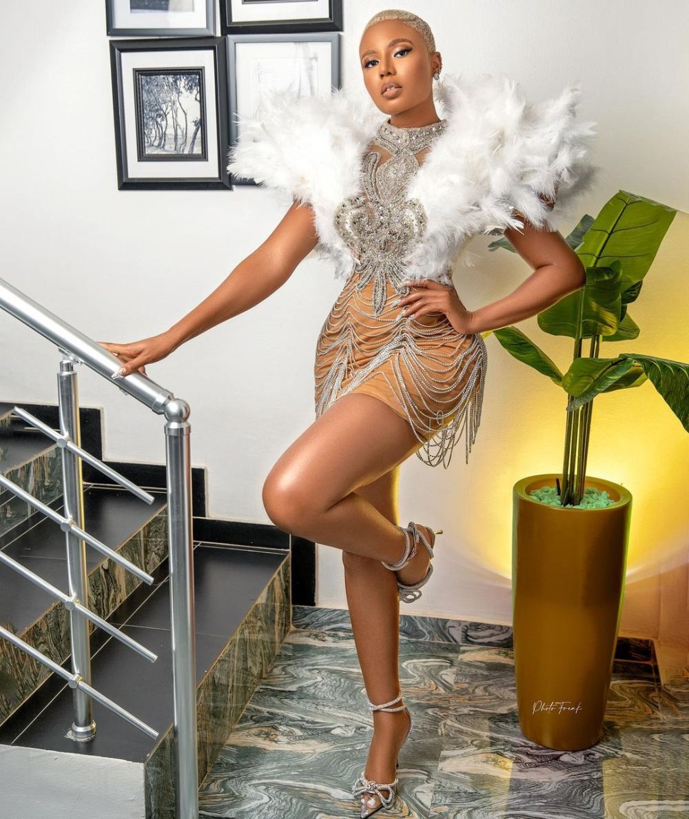 Nancy Isime- Nailing A Dramatic Outfit