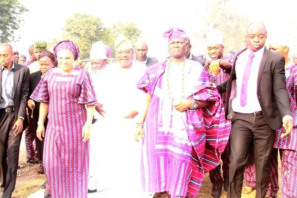 From left, First lady of Oyo State, Florence; the Governor, Sen. Abiola Ajumobi and son of the deceased, Sen. Teslim Folarin.
