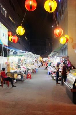 Yasaka Night Markets - A collection of beautiful things and even more beautiful people