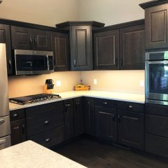Hickory Cabinets Kitchen Under Cabinet Lighting Options Project Photo Gallery | Lifestyle Kitchens & Baths