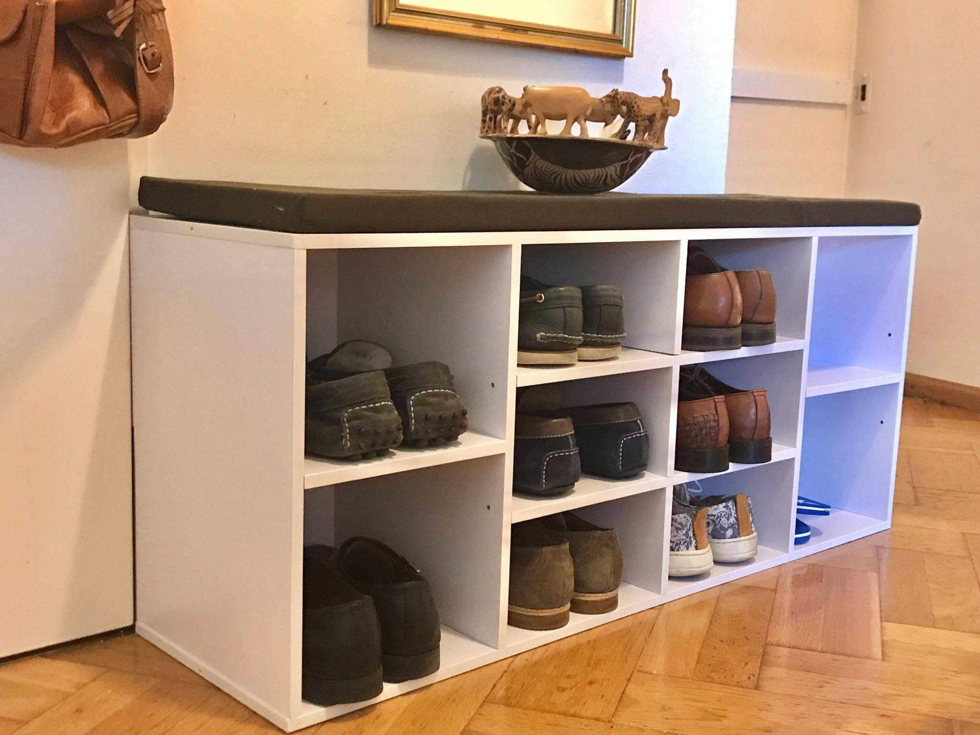 schuhregal kleiner flur free excellent schuhregal stehen white pine holz leder pad sitzbank. Black Bedroom Furniture Sets. Home Design Ideas