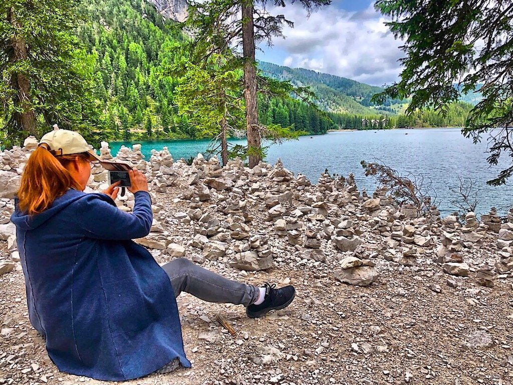 Editor Marion taking pics from the lake Braies