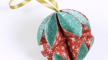 Addobbi natalizi fai da te: come trasformare i biglietti d'auguri in palline di Natale