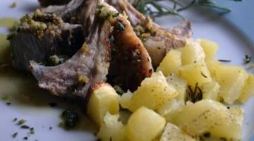 Idee menù per il pranzo di Natale: agnello al forno con patate