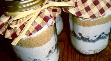 San Valentino idee regalo fai da te: biscotti in barattolo
