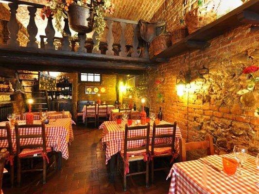 Idee per una cena romantica la taverna delle rose a torino - Idee cena romantica a casa ...