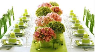 Idee tavola primaverile: organizzare una cena o un brunch all'esterno