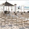 Matrimonio in spiaggia: look per invitate perfette dal vestito al make up