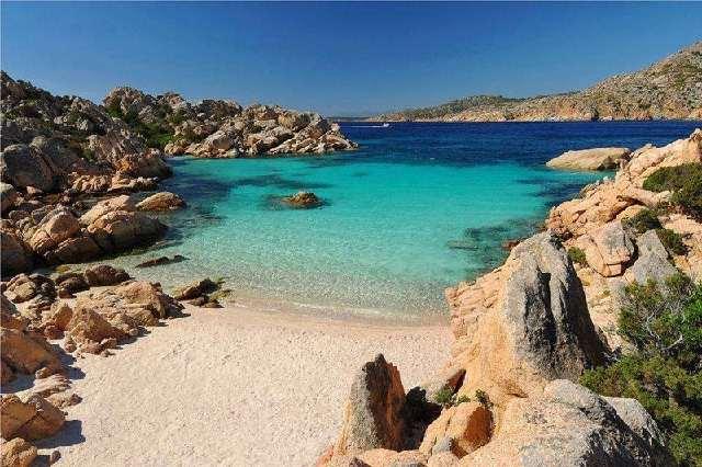 Spiaggia di Cala Coticcio (isola di Caprera, Arcipelago La Maddalena)