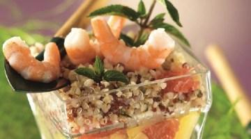 Cucinare con la quinoa: insalata con gamberi profumata alla menta