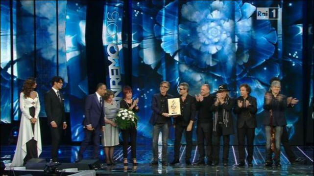 Sanremo-2016-terza-serata-Stadio-premiazione