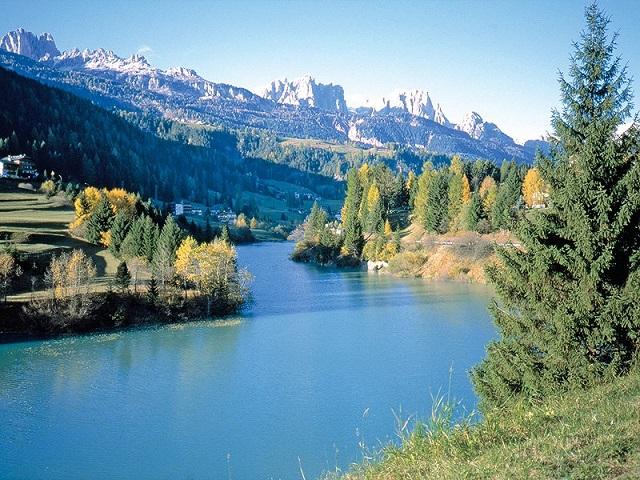 Lago tra Moena e Soraga