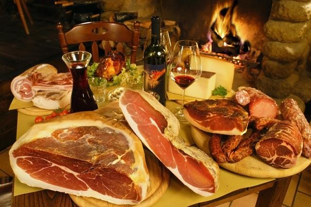 Salumi e formaggi - Prosciutto, spek, lonza, salame...