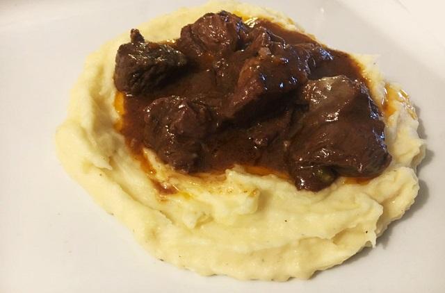 spezzatino di cervo: la ricetta fotografica | lifestyle made in italy - Come Si Cucina Il Cervo