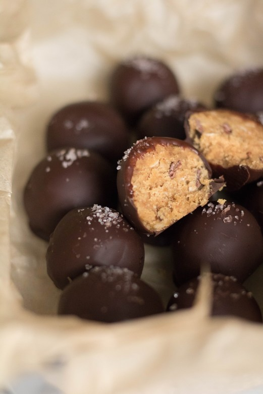 HEalthy cookie dough wanna be chocolate balls