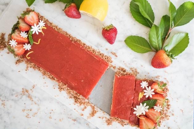 Strawberry lemon vegan lemon tart