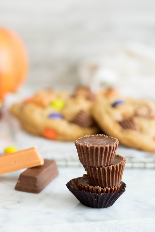 Reese's stack of 3 little halloween chocolates