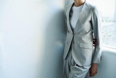 衿の無いノーカラータイプのレディースオーダースーツ lifestyleorder