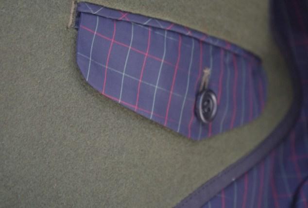 コート内側フラップポケット