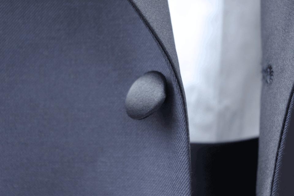 タキシード拝絹地くるみボタン